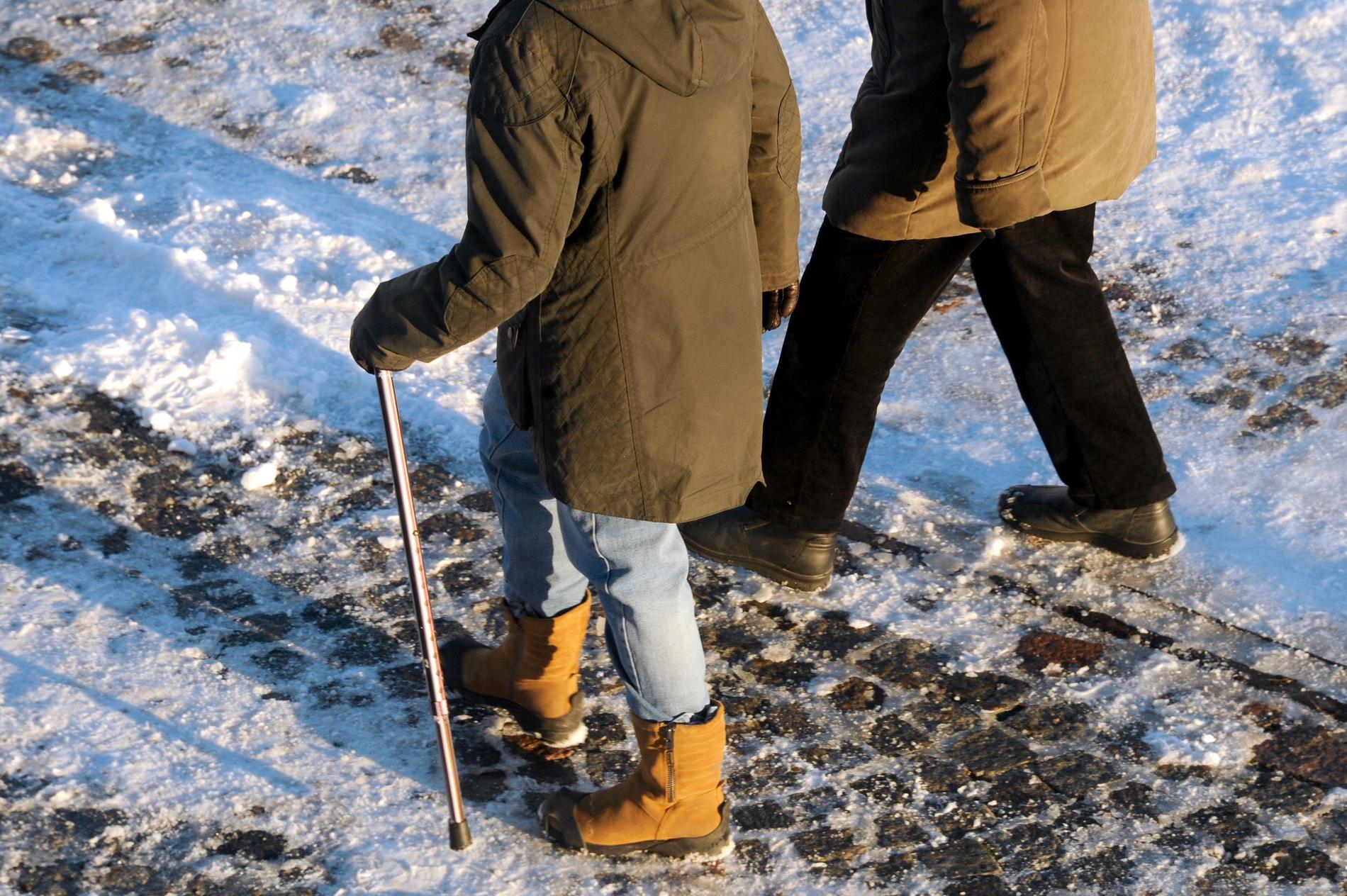 Snart är vintern här. Halka kan undvikas med värmeslingor, och det ger effekt, enligt rapporten. Arkivbild.