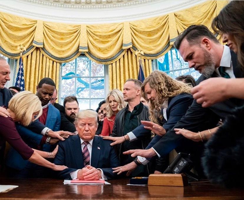 Bön för Donald Trump i Vita huset med bland andra Sean Feucht, profil och ledare från Bethel Church.