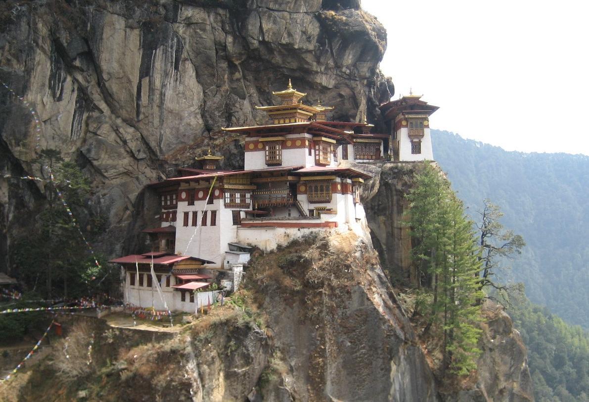 Munkklostret Tigers Nest är en av många vackra platser i Bhutan.