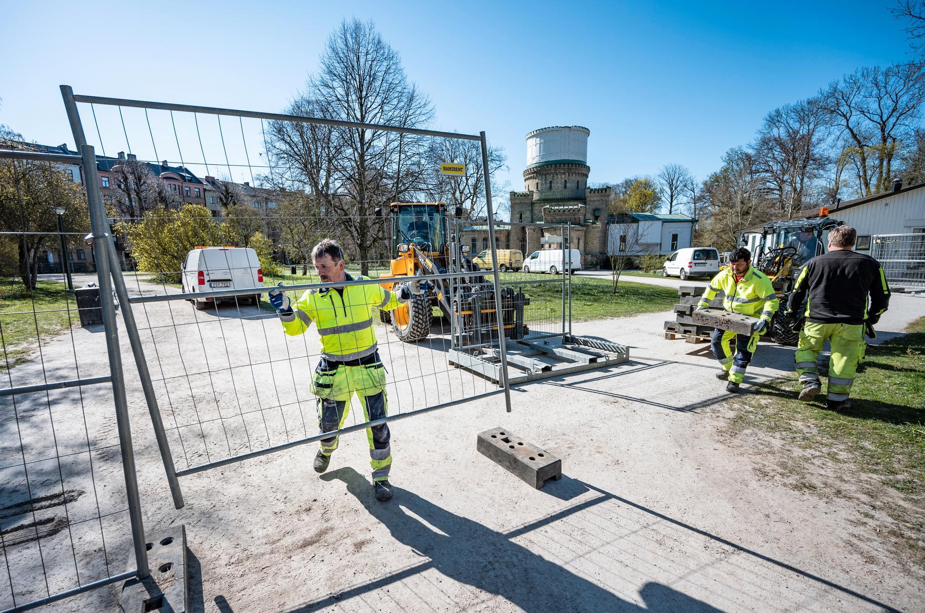 I Stadsparken i Lund kan omkring 30000 studenter och andra samlas en vanlig valborgsmässoafton. Men i år, liksom ifjol, har kommunen satt staket runt parken.