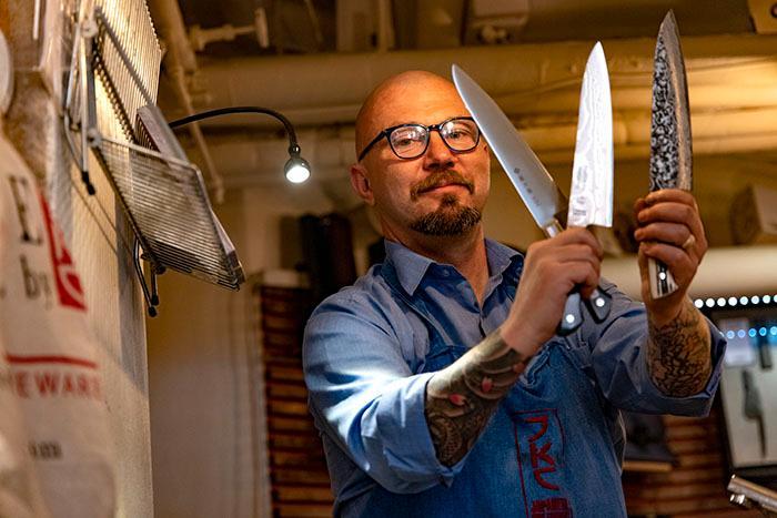 Tre återslipningsbara knivar.