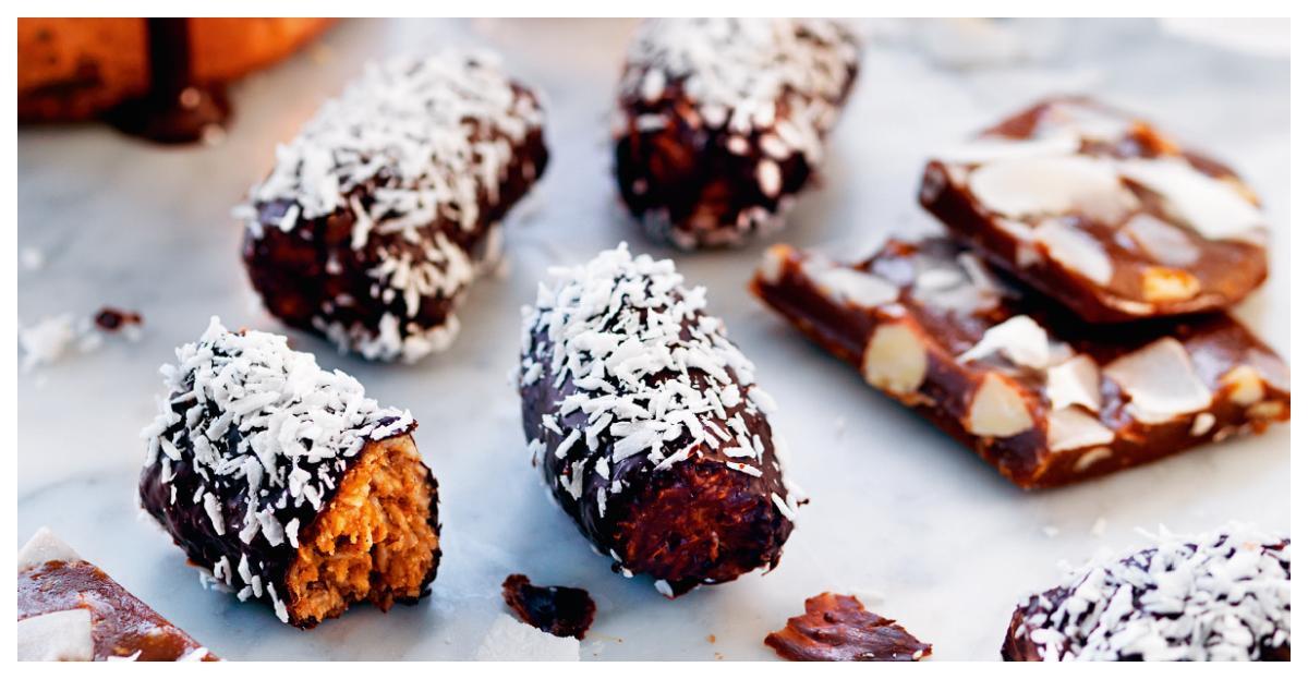 Veganska bountybitar och mandel- och kokoskola